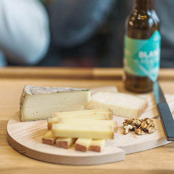 Planche de charcuterie et fromage à La Plante du Loup
